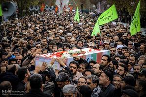 عکس/ تشییع پیکر شهید مدافع حرم در زنجان