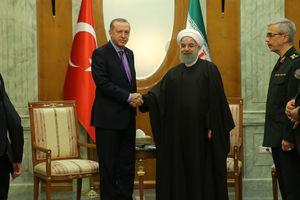 روحانی و اردوغان رؤسای جمهور ایران و ترکیه در سوچی روسیه با یکدیگر دیدار و گفتگو کردند
