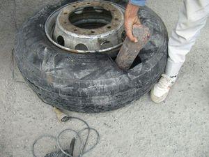 عکس/ جاسازی عجیب شمش مس برای قاچاق