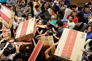 فیلم/ هجوم برای خرید در «جمعه سیاه» آمریکا