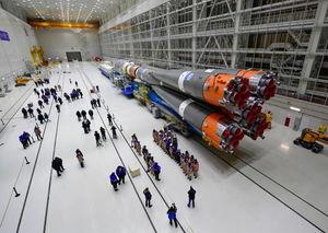 آماده شدن راکت سایوز برای پرتاب به فضا