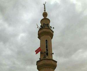 عکس/ اهتزاز پرچم یا حسین(ع) درآخرین پایگاه داعش