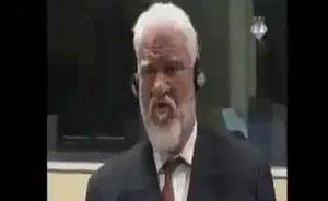 فیلم/ خودکشی قاتل مردم بوسنی در دادگاه