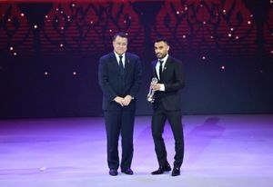 بهترین فوتسالیست آسیا جایزهاش را به مردم زلزله زده تقدیم کرد