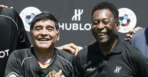 فیلم/ حضور مارادونا و پله در قرعه کشی جام جهانی