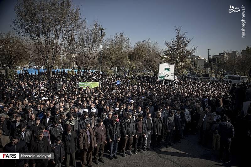 2123936 - مراسم تشییع شهید مدافع حرم نوید صفری