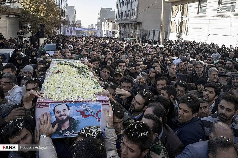 2123947 - مراسم تشییع شهید مدافع حرم نوید صفری