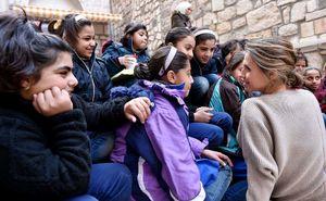 عکس/ دیدار بانوی اول سوریه با یتیمان دمشق
