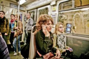 بوی عرق و کمبود هوا در مترو پاریس