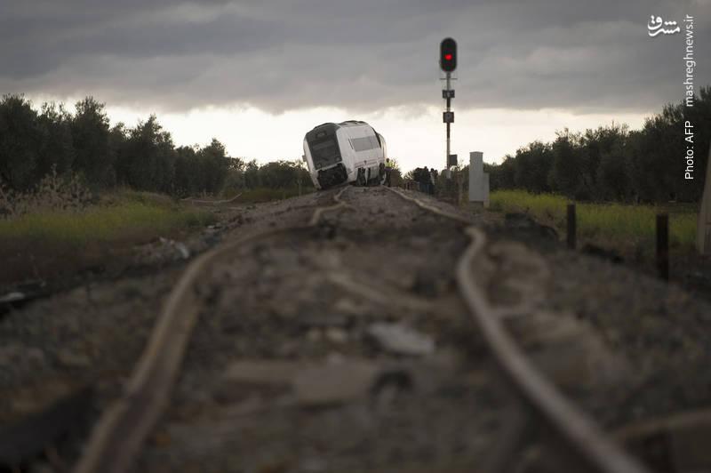 35 مجروح در حادثه خروج قطار مسافری نزدیک سویا اسپانیا