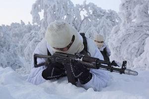عکس/ آموزش تفنگداران نیروی دریایی روسیه در هوای برفی