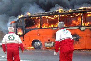 عکس/ آتشسوزی اتوبوس مسافربری