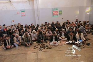 عکس/ هوارداران فریب خورده عبدالله صالح تسلیم شدند