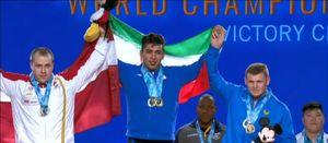 فیلم/ اهتزاز پرچم ایران در آمریکا با مدال تاریخی هاشمی