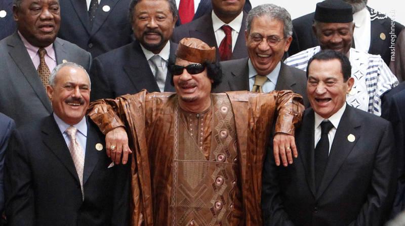 عبدالله صالح در کنار معمر قذافی و حسنی مبارک