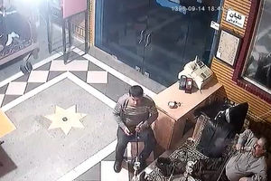 لحظه وقوع زلزله گیلان در قهوهخانه