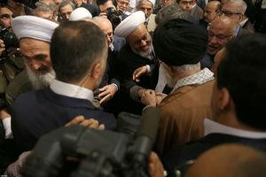 عکس/ گفتگوی صمیمانه رهبرانقلاب با میهمانانش