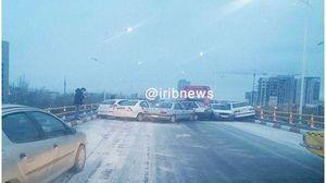 عکس/ تصادف زنجیرهای 56 خودرو در اتوبان قزوین کرج