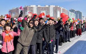 استقبال باشکوه از دانشمندان موشکی در کره شمالی