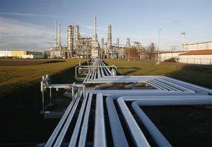 مجوز وزارت نفت برای بازسازی خطوط لوله نفت لغو میشود