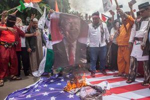 عکس/ خشم مردم اندونزی از تصمیم ترامپ