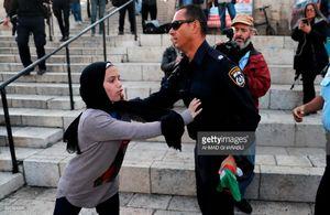 گستاخی کفتارهای اسرائیلی به زنان