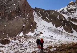فیلم/ لحظاتی قبل از سقوط بهمن روی کوهنوردان اشترانکوه