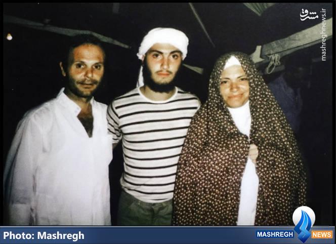 عماد مغنیه و پدر و مادرش در اوایل دهه 1360