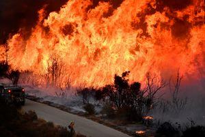 یازدهمین روز از آتش سوزی در کالیفرنیا