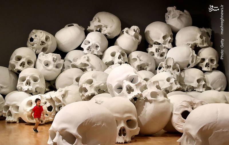 یک اثر تجسمی از ران میوک در ملبورن استرالیا