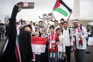 عکس/ ادامه اعتراضات مردم اندونزی به تصمیم ترامپ