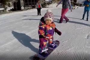فیلم/ هنر دختر یک ساله در اسنوبرد