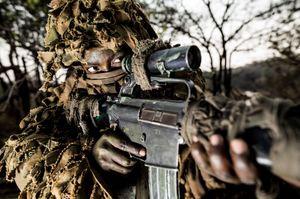 عکس/ زنان مسلح حیات وحش