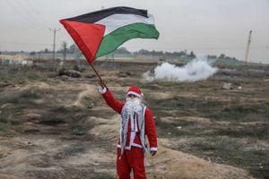 عکس/ نبرد بابانوئلها با صهیونیستها