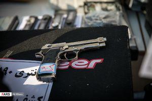 عکس/ سلاحهای کشف شده از اراذل تهرانی