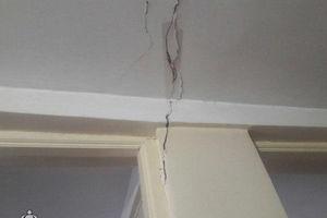 عکس/ خسارت زلزله به منازل مسکونی رودهن