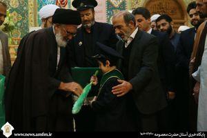 عکس/ اعطای حکم خادمی به فرزند شهید مدافع حرم