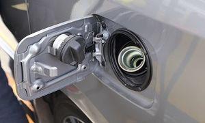 ارتباط بین مصرف سوخت و درپوش باک بنزین