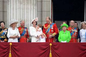 فیلم/ وقتی سربازان گارد ویژه ملکه انگلیس سوژه طنز میشوند