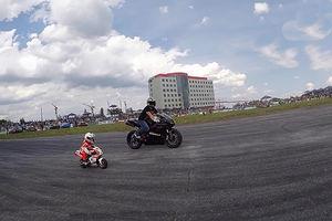 فیلم/ مهارت باورنکردنی موتورسوار ۴ساله!