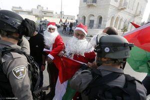 اعتراض بابانوئلها به تصمیم ترامپ