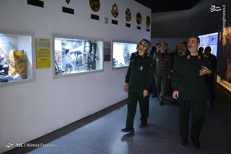 بازدید فرماندهان نیروهای مسلح از باغ موزه دفاع مقدس