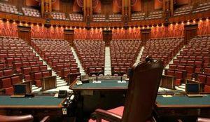 رابطه جنسی دو نماینده مرد پارلمان ایتالیا در دستشویی!