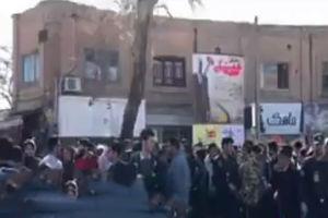 فیلم/ گزارشی از تجمع اخیر مردم در برخی شهرها