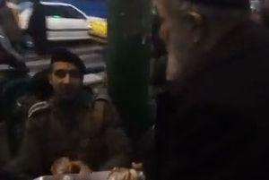 فیلم/ برخورد جالب یک مغازهدار با نیروهای پلیس