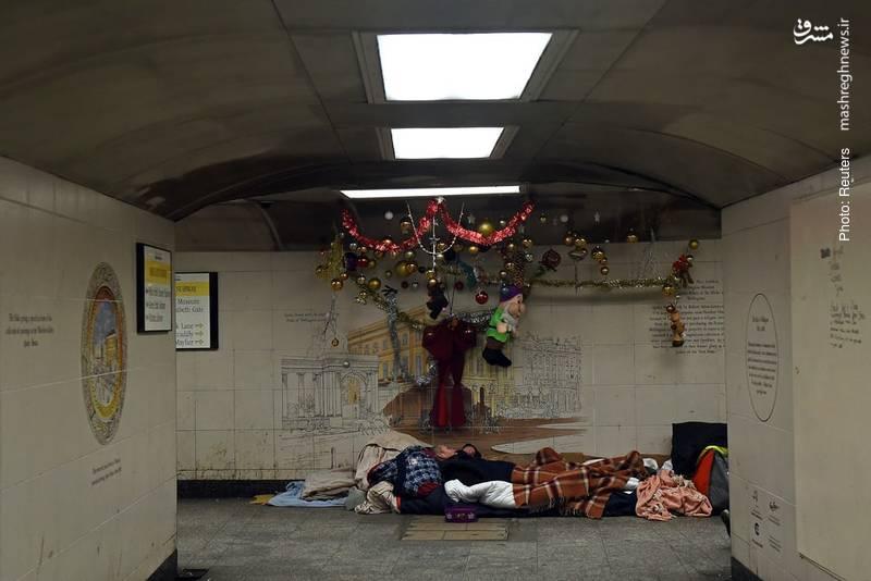 کارتنخوابی در مترو لندن