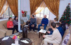 عکس/ دیدار بشار اسد و خانوادهاش با مجروحین حمص