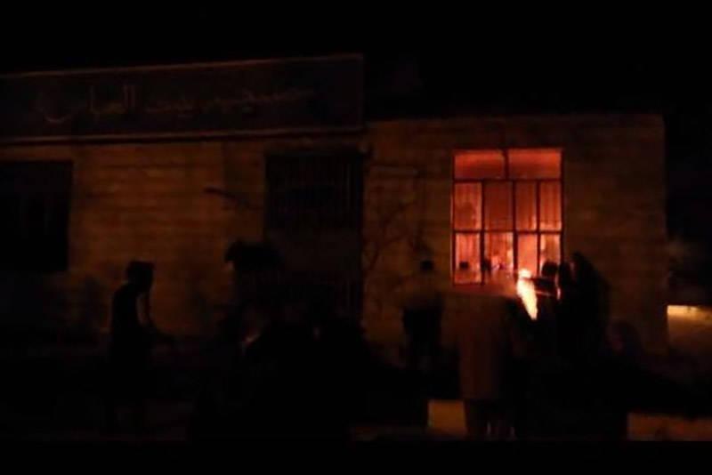 فیلم/ هتک حرمت حسینیهای در کرمانشاه توسط آشوبگران