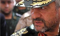 بوسه فرمانده سپاه بر دست یک بسیجی +فیلم