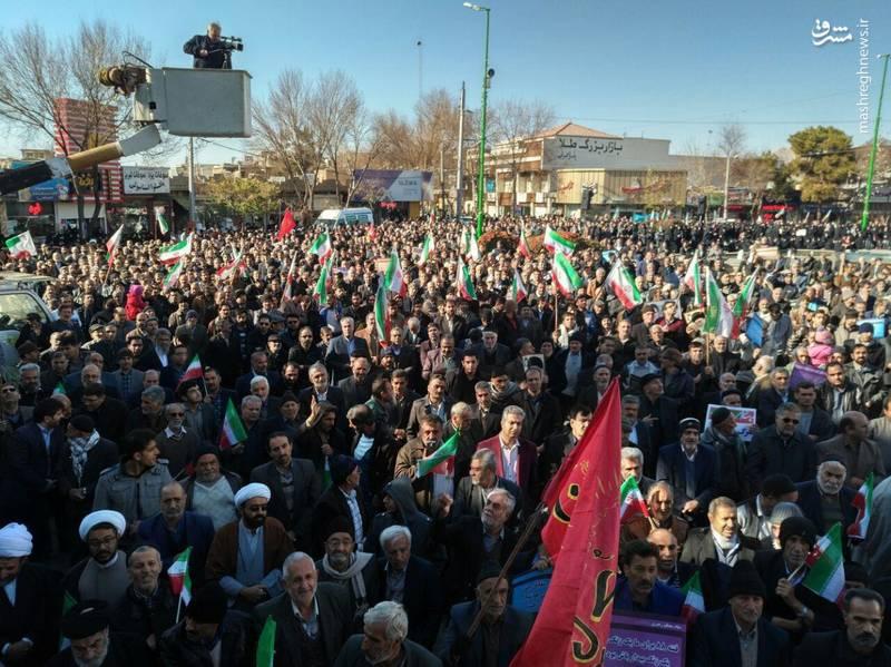 راهپیمایی مردم خمینی شهر علیه آشوبگران